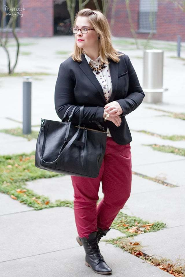 gorgeous casual red lip outfit black