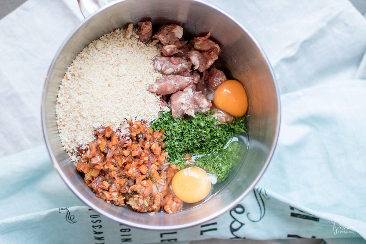 hackbraten mit salsiccia und knoblauch kartoffelp ree lifestyle travel food blog aus der. Black Bedroom Furniture Sets. Home Design Ideas