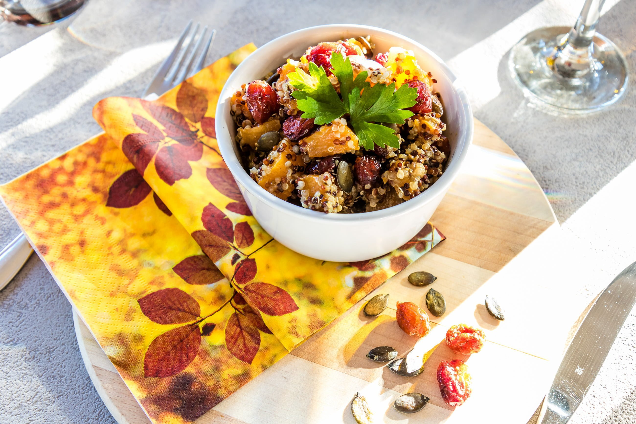 herbst salat quinoa k rbis cranberry lifestyle travel food blog aus der schweiz. Black Bedroom Furniture Sets. Home Design Ideas